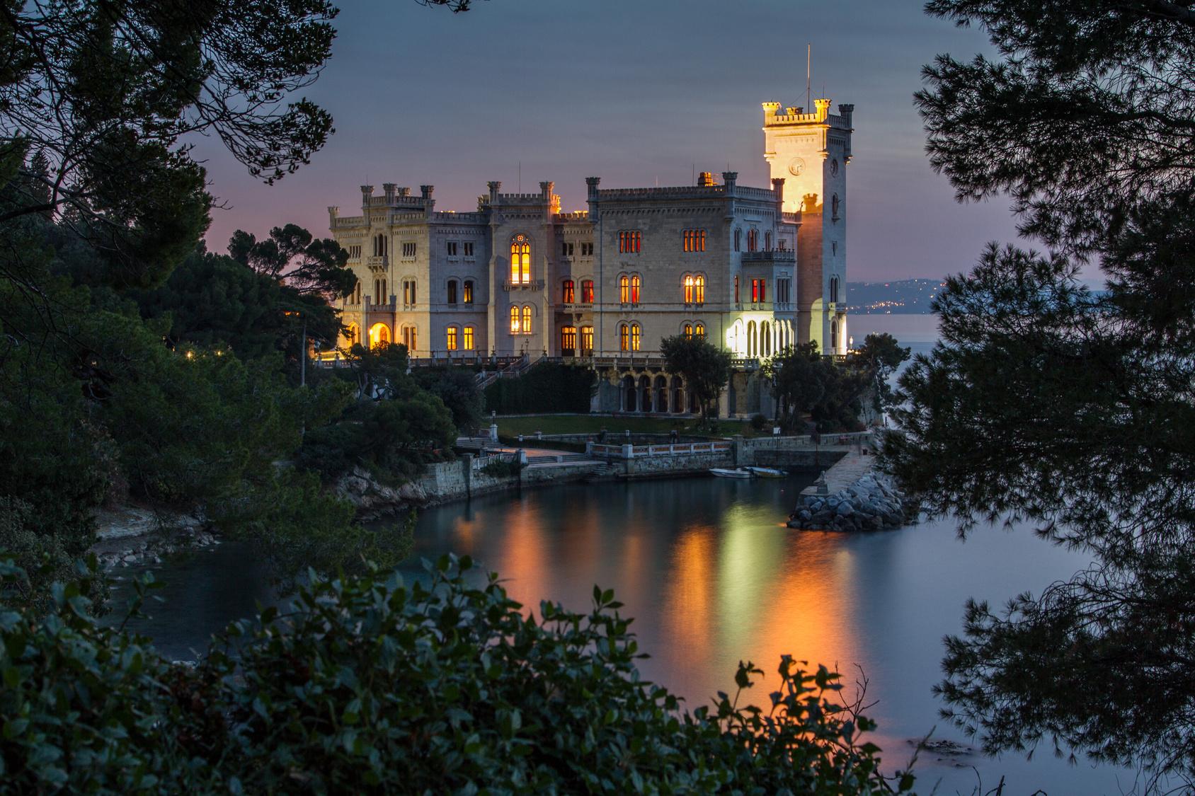 Trieste carso miramare un castello di storia for Piani scozzesi della casa del castello dell altopiano